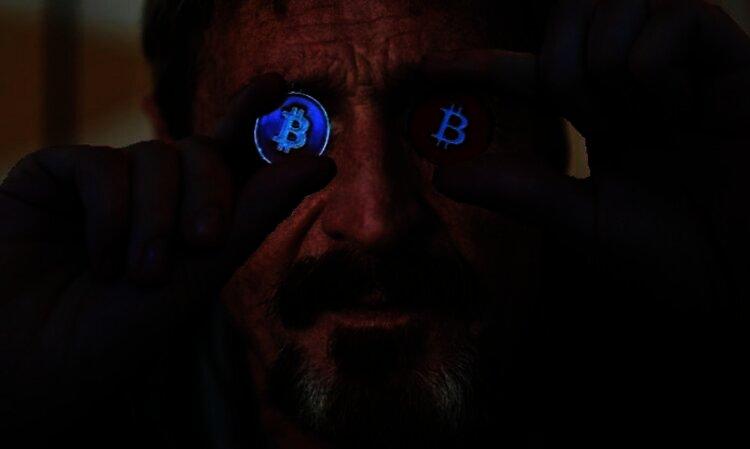 De Amerikaanse SEC beschuldigt en arresteert John McAfee na $ 23 miljoen aan illegale Bitcoin van ICO winst