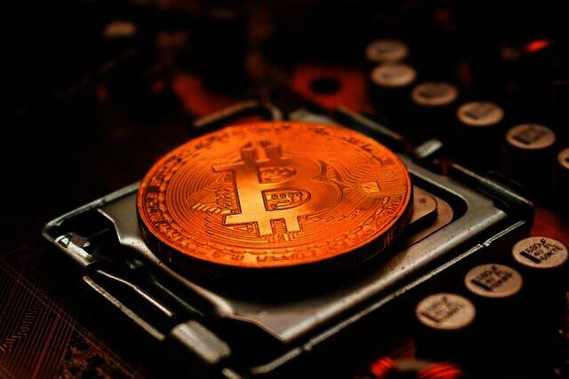 Verdient Bitcoin-oprichter Satoshi Nakamoto een Nobelprijs?