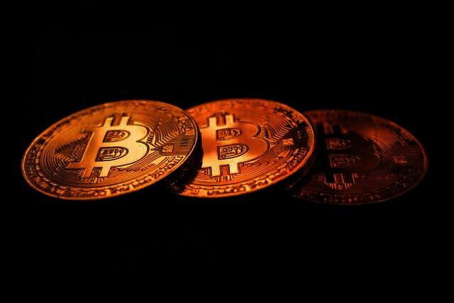 Het gerucht gaat dat Oracle de volgende onderneming is die in Bitcoin gaat stappen