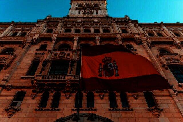 Spanje overweegt wet om burgers hypotheek in crypto te laten betalen